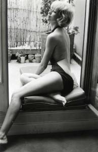 Monique Valentin : Mireille Darc - 1980 dans Fenêtre 57-092-monique-valentin-darc-1980--194x300