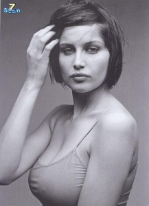 58 / dans Femme : Citations 57-110-laetitia_casta_129--217x300